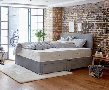Deep luxury mattress with pocket springs. Padded with pressure-relieving memory foam, which shapes precisely to the contours of your body.