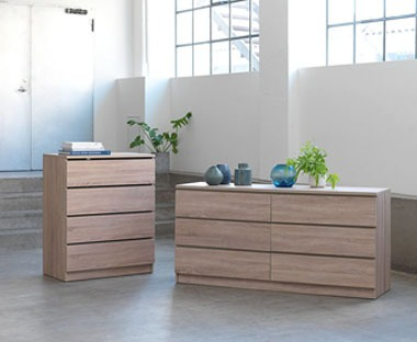 oak chest of drawers with four and eight drawers