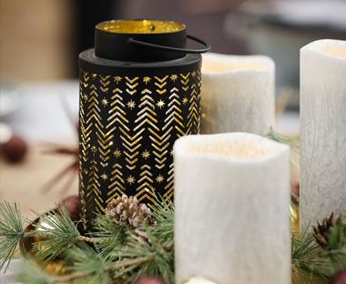 metal tealight holder with festive print