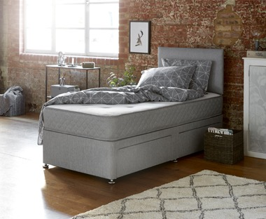 Deep reversible quality mattress with bonell springs