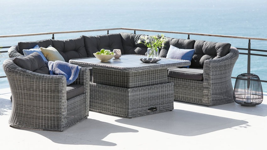 Outdoor Trends 2021 Lounge Sets For, Small Rattan Garden Furniture Uk