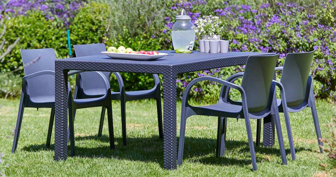 Plastic garden furniture from JYSK